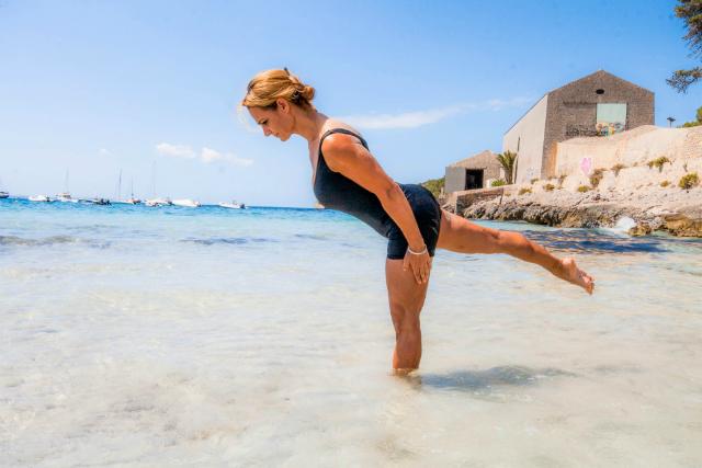 Ejercicio Standing Single Leg Balance II, buscamos que pierna y tronco queden paralelos