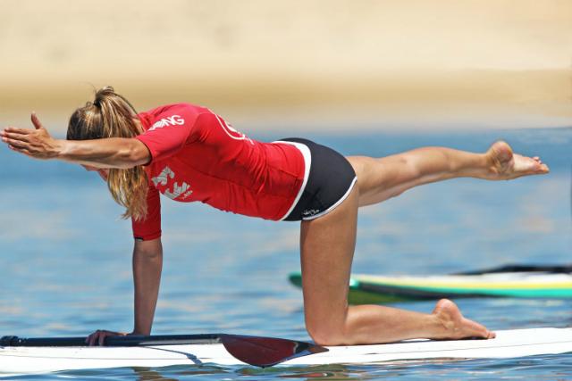 Trabajar la estabilidad al practicar SUP: ejercicio de pilates